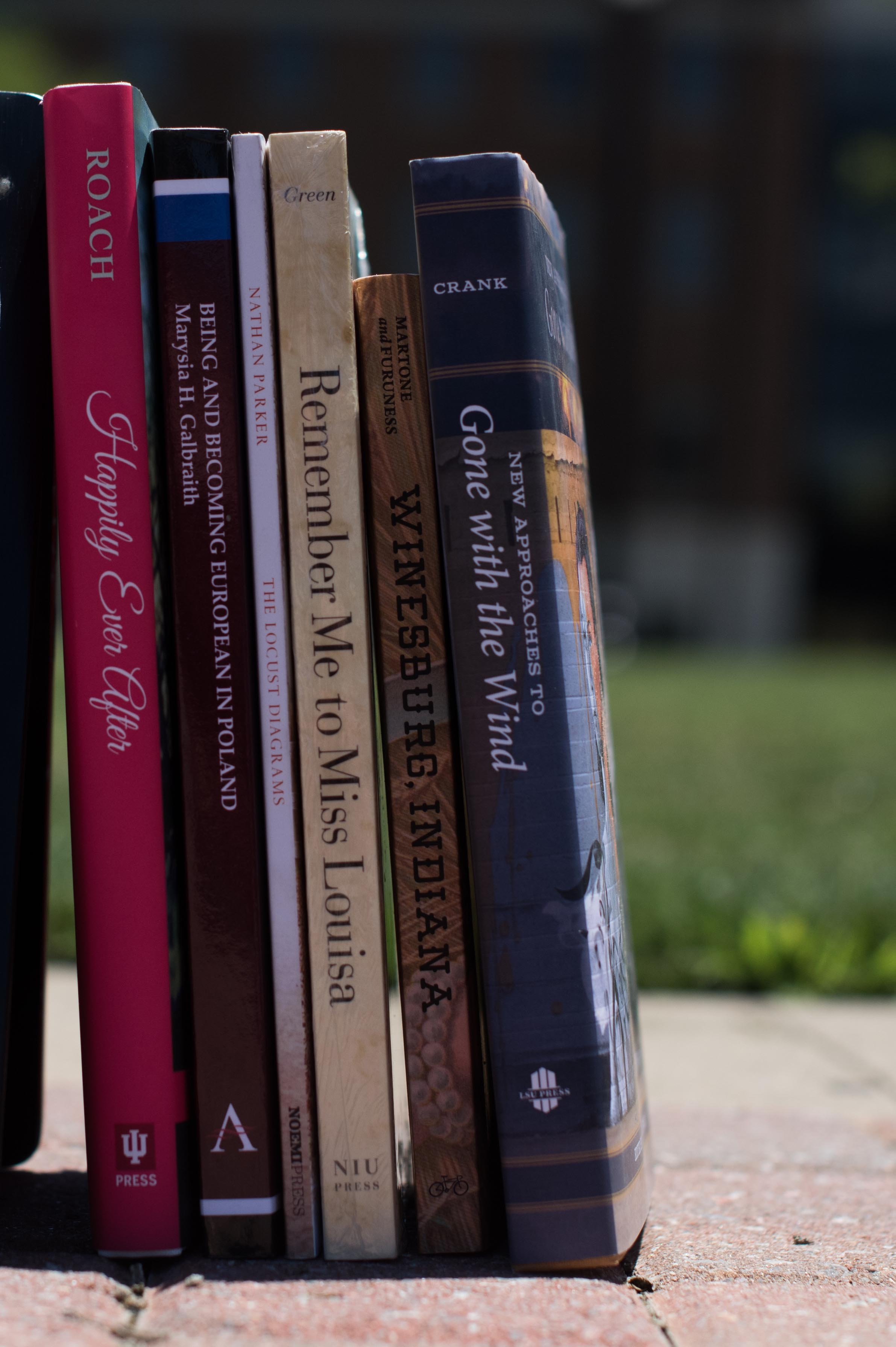 summer reading list arts sciences six spines of arts and sciences faculty